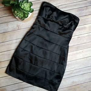 Twentyone - Black Strapeless Dress